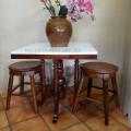 Meja makan marmer persegi 70 x 70 cm