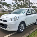 Dijual Nissan March XS 2011 A/T White Metallik Very Low KM