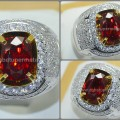 Elegant Hot Metalik Pigeon Blood SPINEL Burmesse - RSL 007