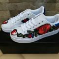 Sneakers Gucci Bordir Bunga