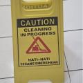 Warning Sign Floor cleaning in progress,hati hati sedang di bersihkan