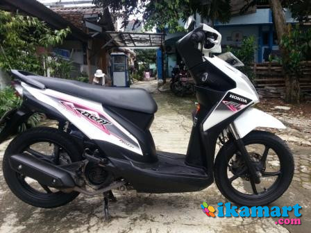 Honda Beat 2013 Putih Mulus Siap Pakai Buat Tahun Baruan
