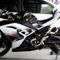 Kawasaki Ninja 250 FI ABS Special Edition 2014 warna hitam-putih