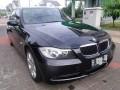 Dijual BMW 320i e90 2005 bulan 12 Hitam