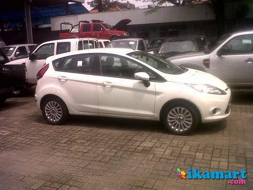 new price and new promo ford fiesta trend 1400cc m t 2012 tdp mulai 50 jt an cicilan s d 5. Black Bedroom Furniture Sets. Home Design Ideas